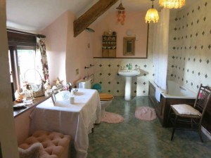 'Pink Campion' double bedded room private bathroom