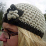 Hand knitted Jacob wool beret hat - Light