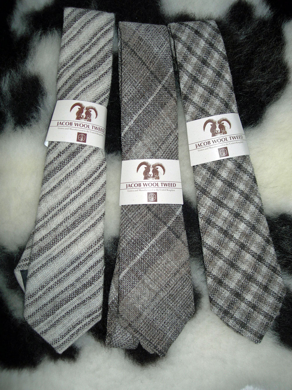 British Jacob sheep wool neck tie - Huxtable Farm