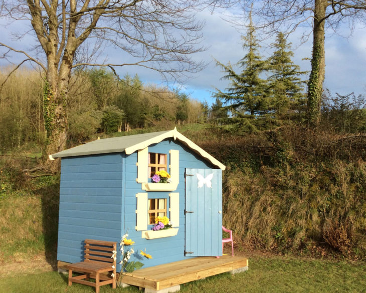 Wendy House at Huxtable farm B&B, West Buckland near Filleigh